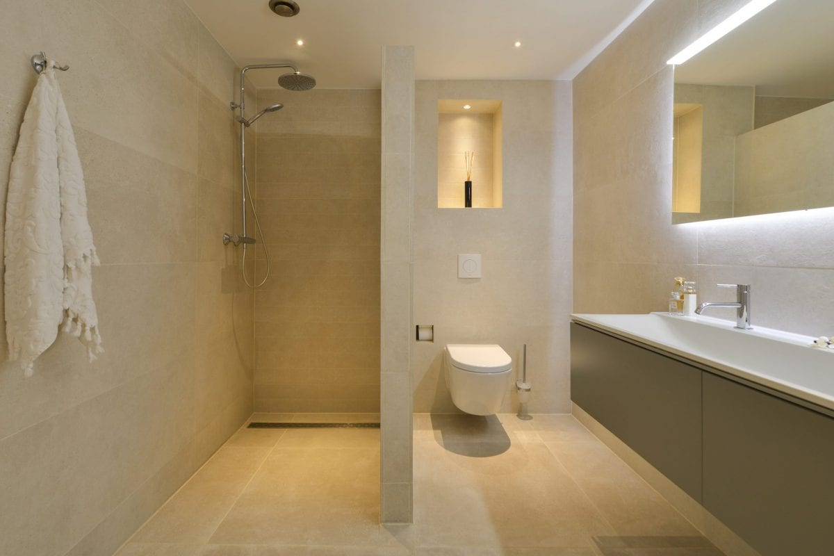 appartement kopen in bussum. Badkamer met hoog afwerkingsniveau